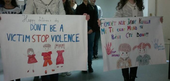 Nxënësit Smirës kërkojnë respektimin e të drejtave të fëmijëve