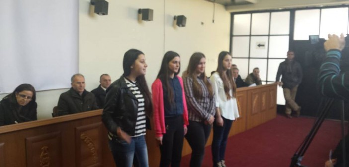 Nxënësit e Smirës promovojnë barazinë gjinore