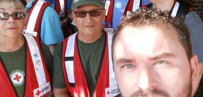 Smirasi vullnetar në Kryqin e Kuq Amerikan bën thirrje për ndihmë të  prekurve nga vërshimet