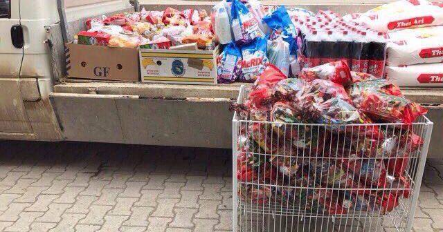 Mërgimtari Shkodran Beqiri nga Smira dhuroi 40 pako ushqimore për Vitin e Ri