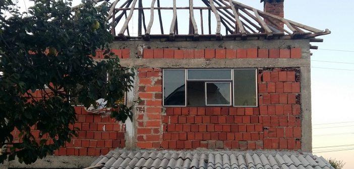 Nis renovimi i shtëpisë për familjen e Kadire Salihut