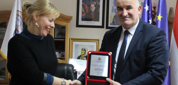 Kryetari Haliti priti ambasadoren kroate në Kosovë